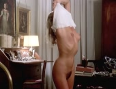 Ursula Andress does a slow striptease & goes fully nude as she tries to seduce a guy