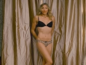 Cameron Diaz strips to her underwear shows her fit athletic body