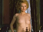 Carice van Houten applies hair dye to her red bush & shows her tits