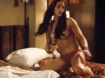 Paula Patton Nude Boobs